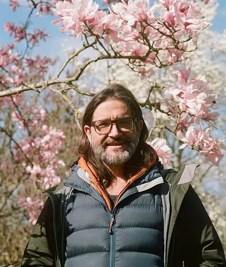 carlos_magdalena_magnolias_kew_garden
