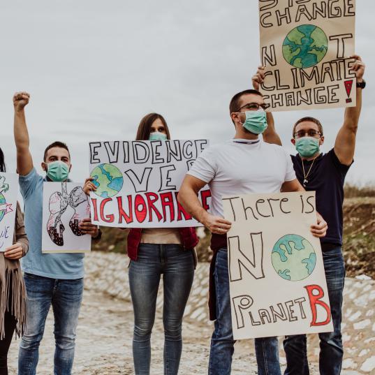ecologismo-protesta-cambio-climatico-filosofia-verde