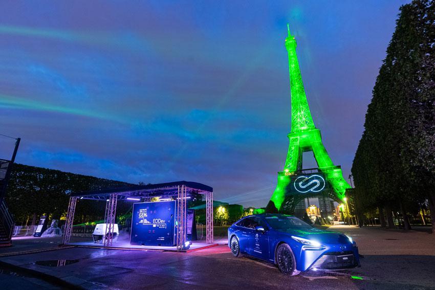 Torre-Eiffel-Toyota-2